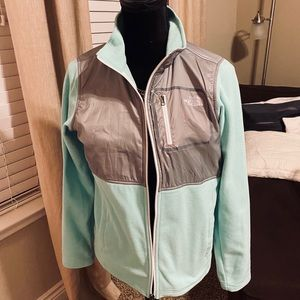 🌊 The North Face Jacket